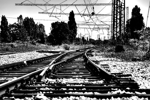 poduene station 2020.05 as graphic bw